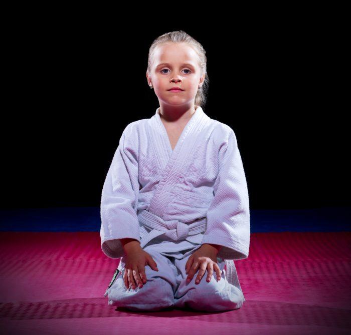 aikido fille en seiza