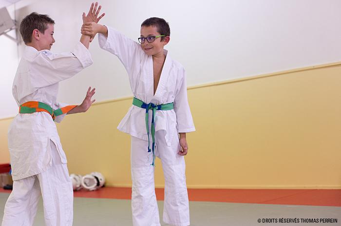 enfants aikido ai hanmi katate dori
