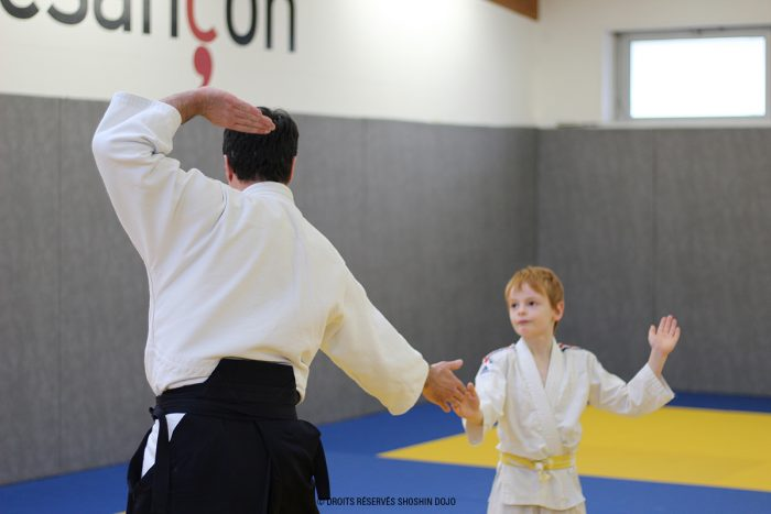 shoshin_aikido_stage_enfants_besançon_exercice_yokomen_julien