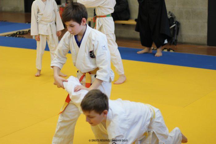 shoshin_aikido_stage_enfants_besançon_ikkyo_déséquilibre