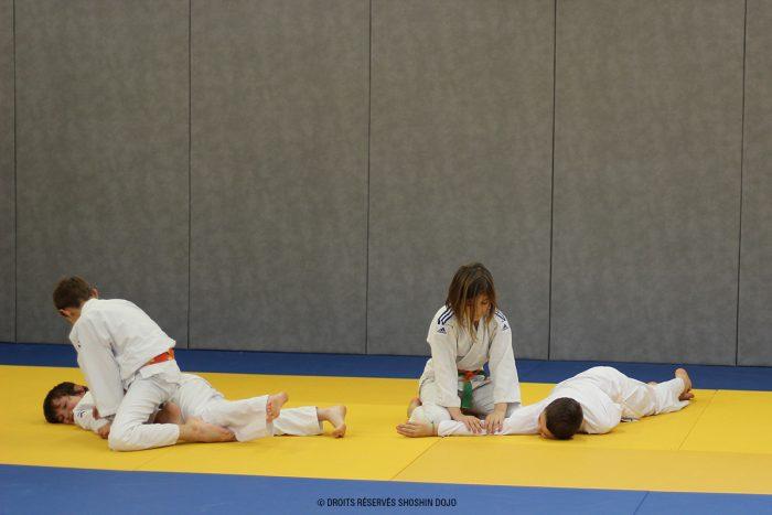 shoshin_aikido_stage_enfants_besançon_ikkyo_immobilisation