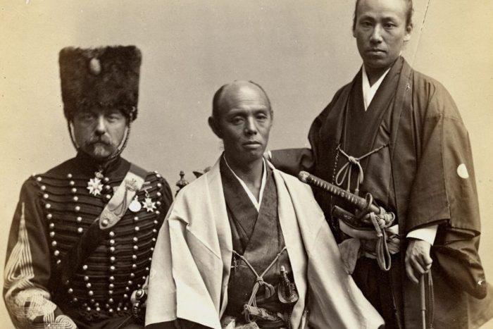 samouraïs et officiers anglais